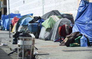 """Skid Row"" on 5th Street in Los Angeles"